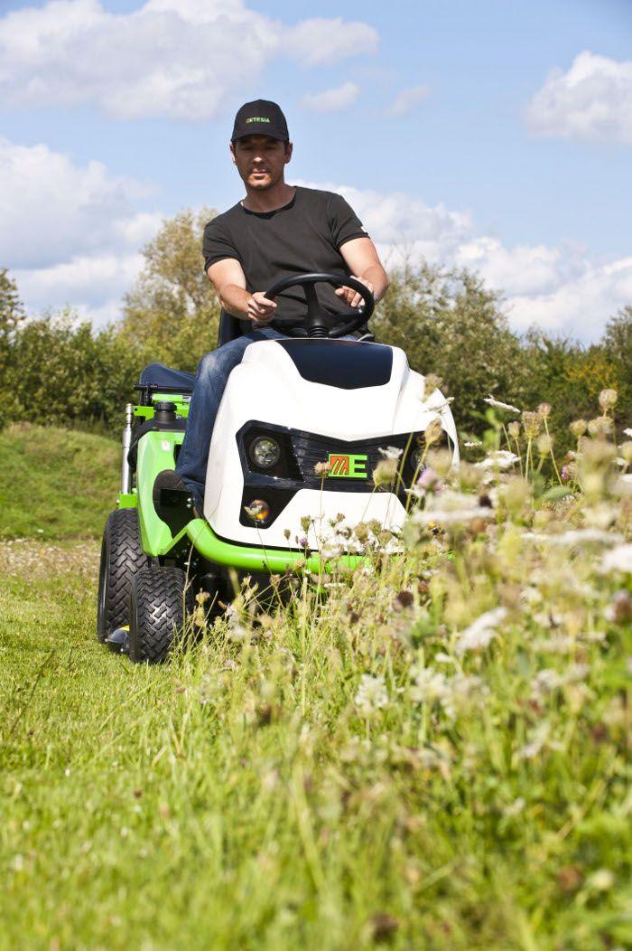 Tractor cortacesped cortacesped asiento tractor etesia - Cortar hierba alta ...